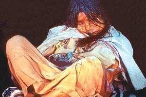 A tres años del hallazgo de tres cuerpos momificados en Llullaillaco (Pcia. de Salta - Argentina)